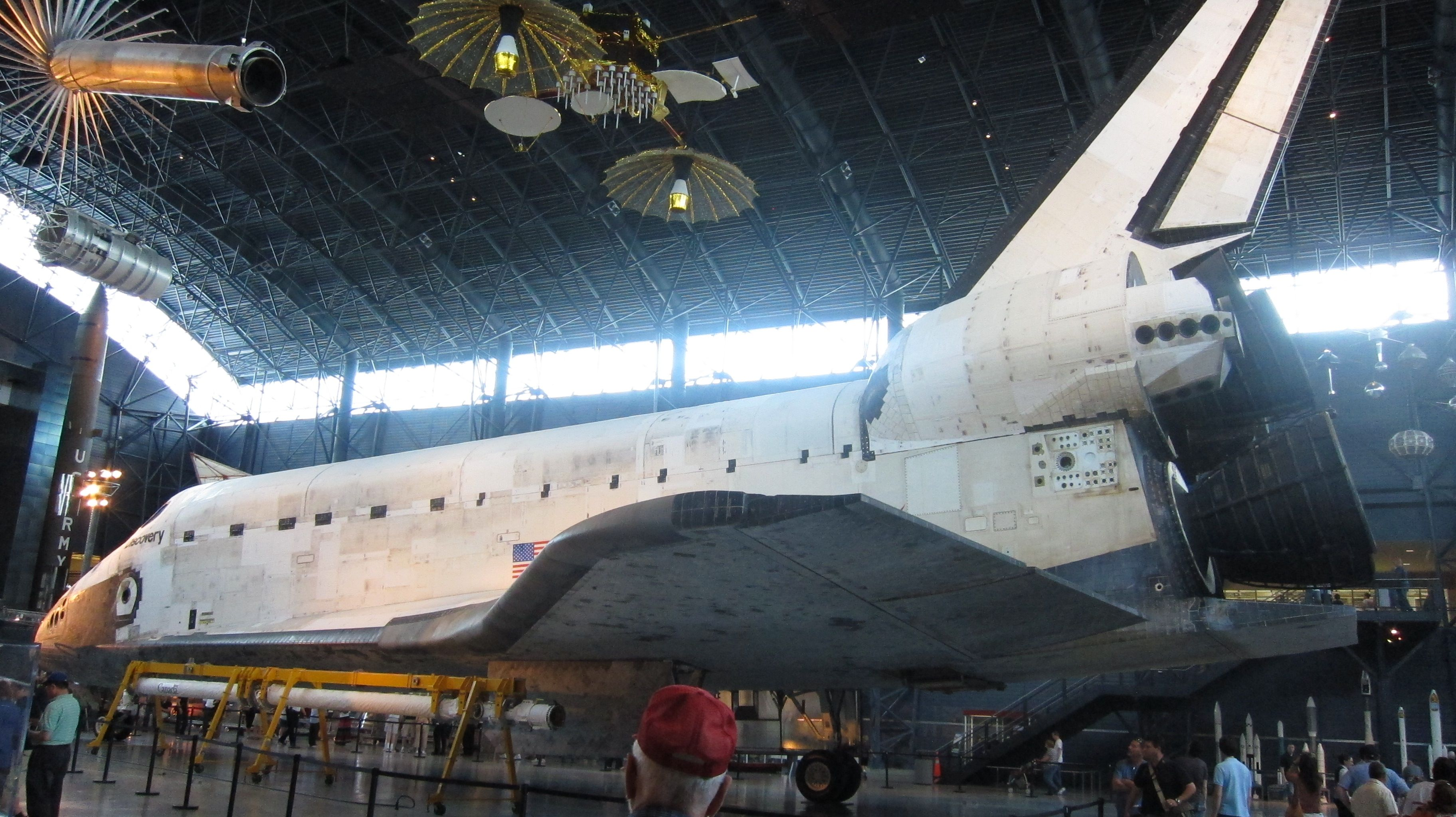 Space Shuttle Discovery at the Steven F. Udvar-Hazy Center ...