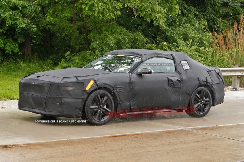 001-2015-ford-mustang-spy-shots